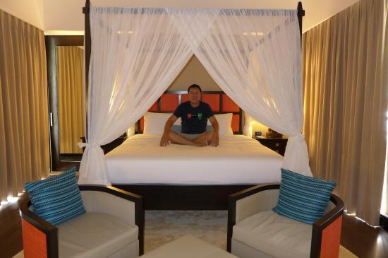 4 pole canopy king size bed be grand picture of be grand resort rh tripadvisor co za