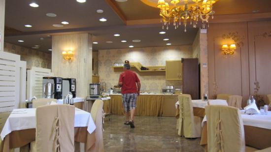 Hotel Colosseo: Im Frühstücksraum. Es fehlte an nichts.