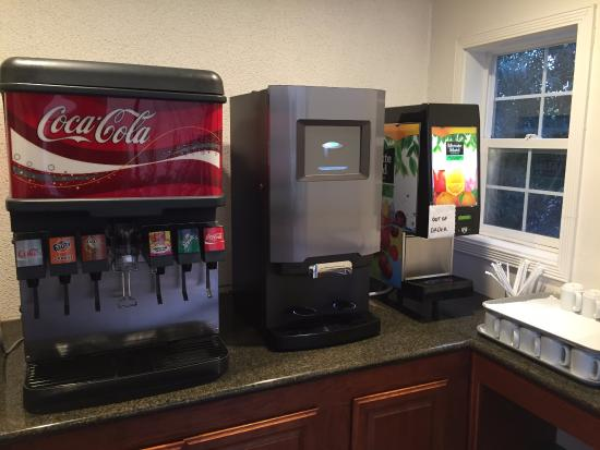 Best Western Plus Brookside Inn: Free drinks