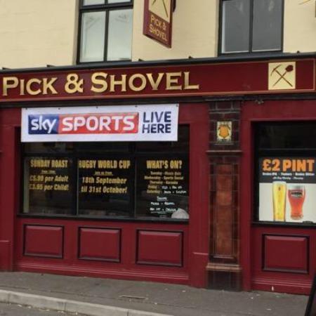 The Pick and Shovel: Pub front