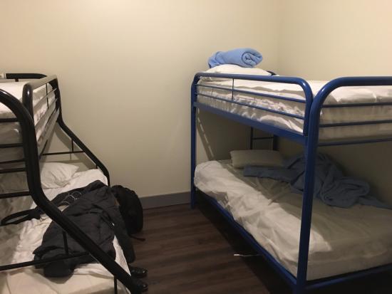 Nashville Downtown Hostel: Our bunk beds