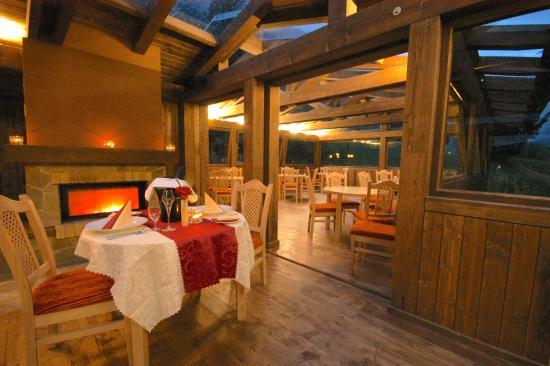 Hotel Künstleralm: Restaurant-Wintergarten