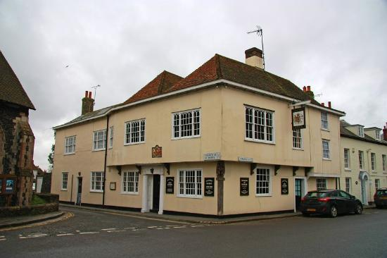 Kings Arms Hotel: Building