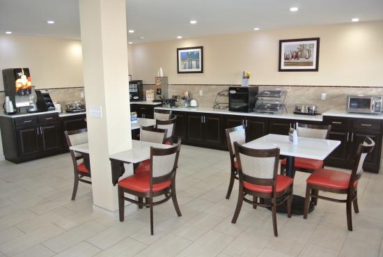 Best Western Chaffin Inn: Our New Breakfast Room
