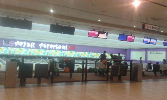 Park Avenue Bowling Centre