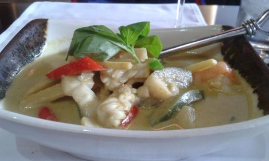 Seafood and chicken pad thai - Picture of Thai Thai - East, London ...