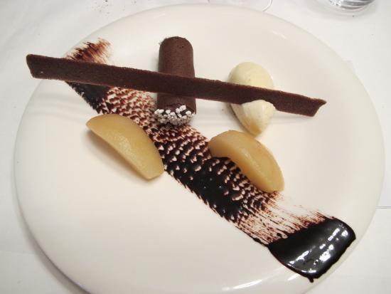 Pamiers, Frankrike: le classique poire chocolat revisité.