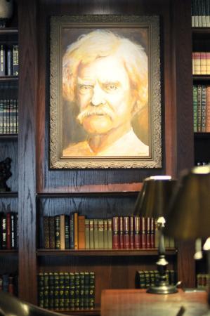 Peoria, IL: Mark Twain Portrait