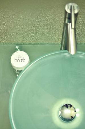 Mark Twain Hotel: Studio Sink