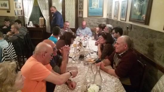 Villa Toscana La Mucchia: group of tourists from La Mucchia casa vacanze in Cortona