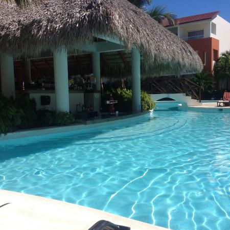 Garden Swim Up Bar Picture Of Now Garden Punta Cana Bavaro Tripadvisor