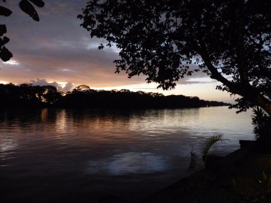 Tortuguero Jungle Lodge: Daybreak at Tortuguero