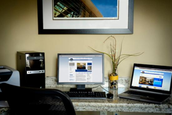 BEST WESTERN PLUS The Inn at King of Prussia: 24 Hour Business Center - 2