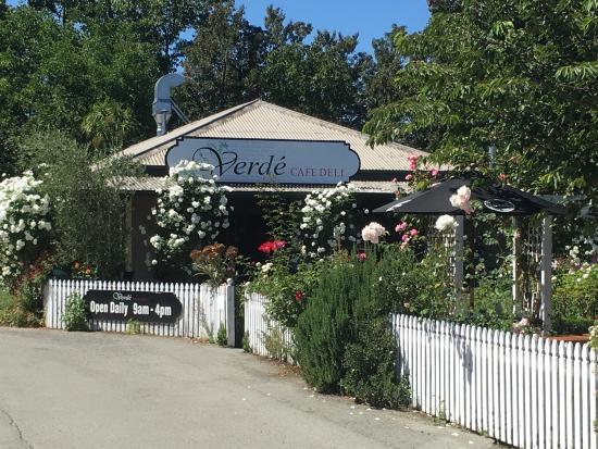 Verde Cafe Deli: photo1.jpg