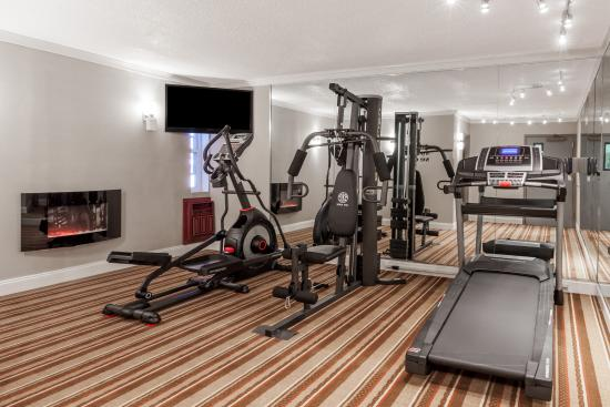 Super 8 Schenect/Albany Area: Exercise Room