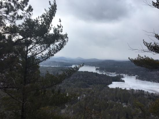 Chestertown, Nova York: Great hiking close by Kipp Mt view of Loon Lake