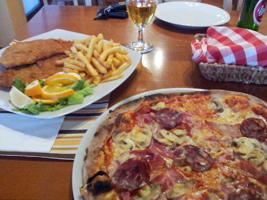 Rakek, Slovenia: pizza