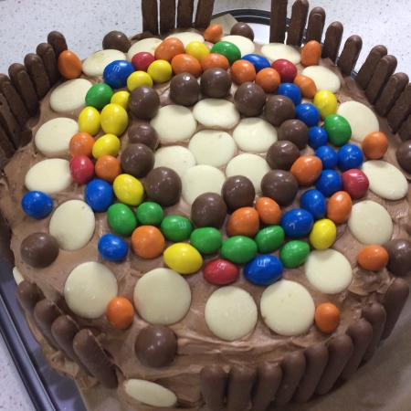 Bliss Cafe: This is what jacqui (Owner of Bliss café) did for my mums partners birthday. It tasted great!