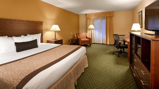 Best Western Plus Governor's Inn: King Room