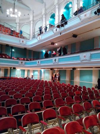 Victoria Hall: Impressive Hall