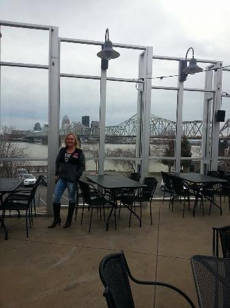 Bristol Bar & Grille : Great view and the outdoor patio is awesome.
