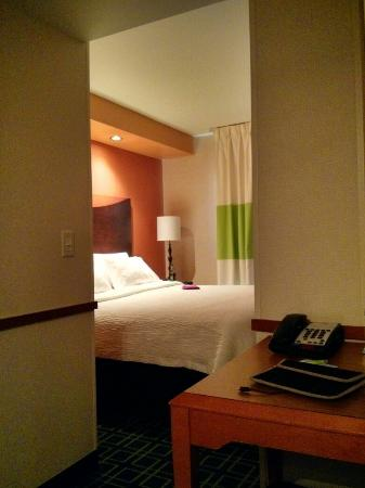 Fairfield Inn & Suites Hartford Airport: King Size