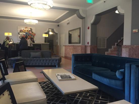 SBH South Beach Hotel: The lobby