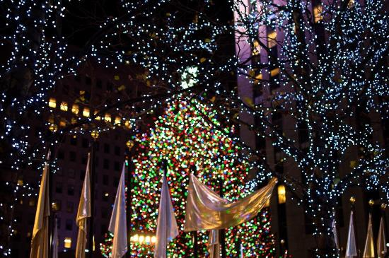 Rockefeller center christmas tree new york city 2018 for Christmas trips to new york