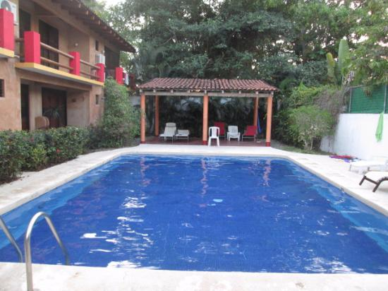 Hotel J.B.: Área da piscina.