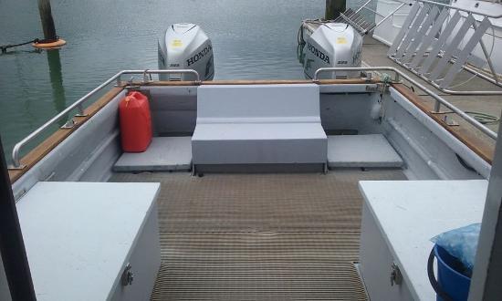 Waiheke Adası, Yeni Zelanda: Comfortable Seating for up to 6 Fishing