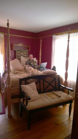 Lindsay House Bed and Breakfast: The Rose Room
