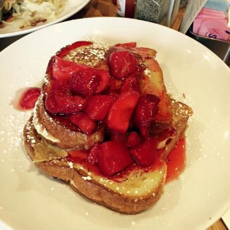 picture of wildberry pancakes and cafe chicago tripadvisor rh tripadvisor com