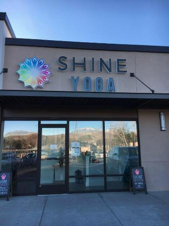 ‪Shine Yoga Collective‬