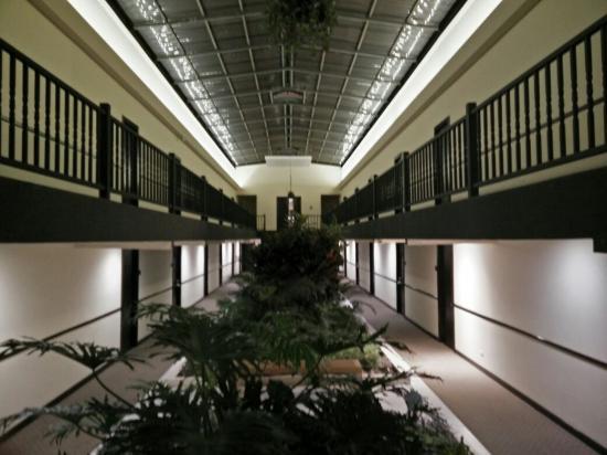 KC Hotel San Jose: IMG_20160229_185017_large.jpg