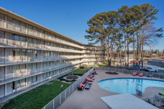 Motel 6 Atlanta Northwest - Marietta: Pool area