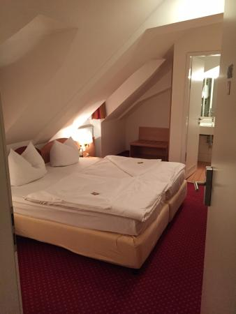 Hotel Europa Bamberg: Top Floor Room