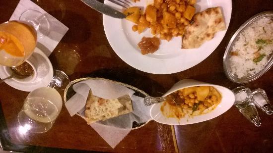 Delhi 6: Aloo and chana masala w/ kashmiri Naan