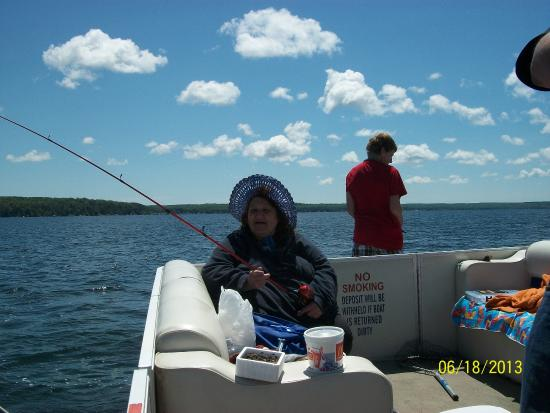 Long Lake, MI: A beautiful day for fishing. good for the fish too. we caught nothing