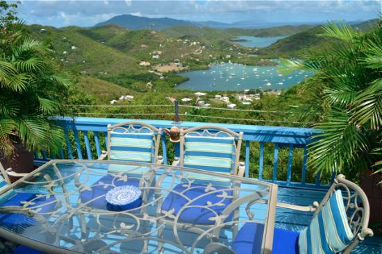 the dining deck off of stonegarden cottage upper level has a rh tripadvisor com
