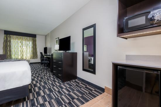 La Quinta Inn & Suites Fairfield - Napa Valley: Newly Renovated Guest Room