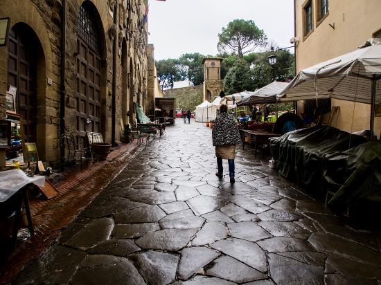 Arezzo foto di fiera dell 39 antiquariato di arezzo arezzo for Arezzo antiquariato