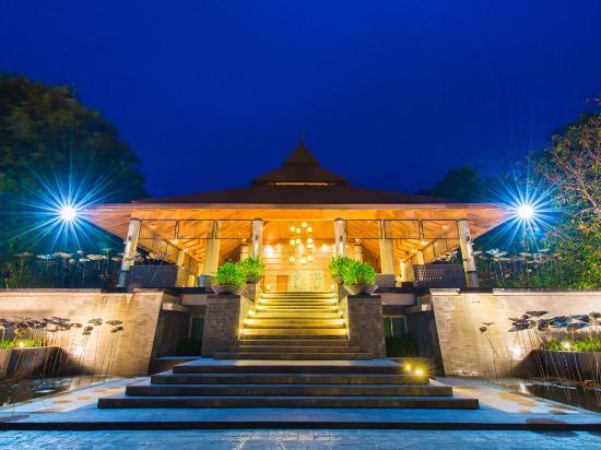 The Greenery Resort Khao Yai: Entrant & Lobby