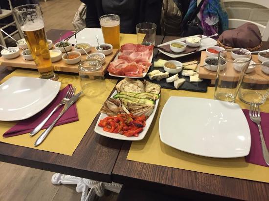 Tigelleria Romana: Menù Formaggi, Salumi e Vegetariano. Una delizia anche per gli occhi!