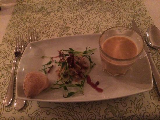Rimforsa, İsveç: En utsökt jordäertssoppa serverades som förrätt.