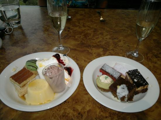 dessert picture of four winds revolving restaurant surfers rh tripadvisor com