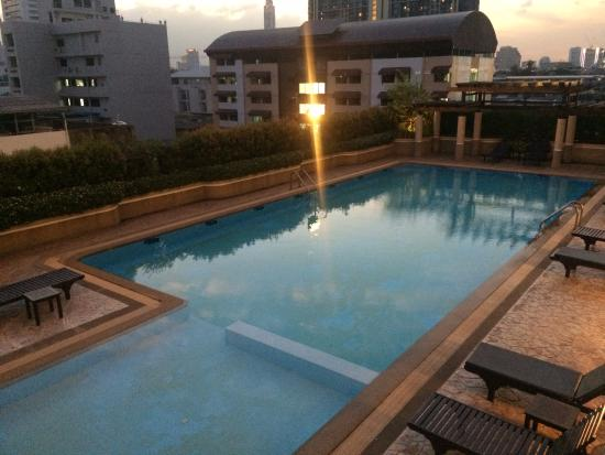 B.U. Place Hotel Bangkok: uima-allas