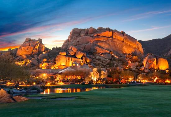 Boulders Resort & Spa, Curio Collection by Hilton: Boulders Resort & Spa - Boulder formation at dusk