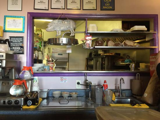 The Bluegrass Grill & Bakery: Order station