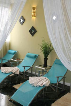 Oasis Salon and Spa