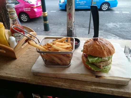 Chicken burger 🍔